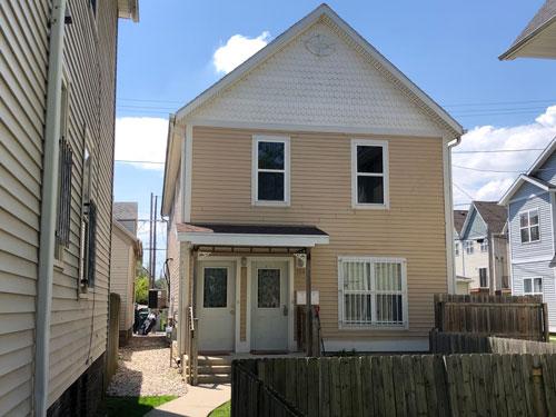 949 N 15th St Milwaukee, WI 53233